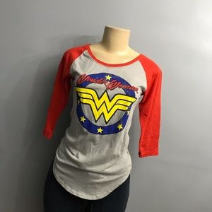 Wonder Woman graphic top small